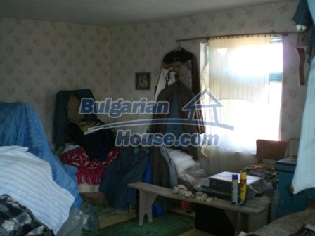 10094:17 - Old traditional Bulgarian house for sale near dam lake