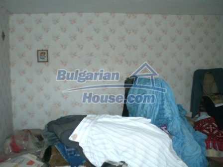 10094:18 - Old traditional Bulgarian house for sale near dam lake