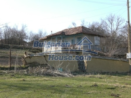 10094:9 - Old traditional Bulgarian house for sale near dam lake