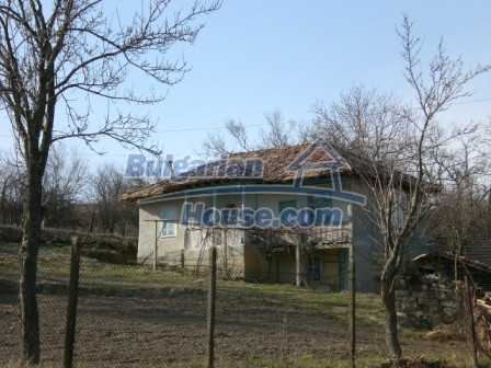 10094:10 - Old traditional Bulgarian house for sale near dam lake