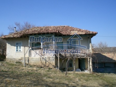 10094:22 - Old traditional Bulgarian house for sale near dam lake
