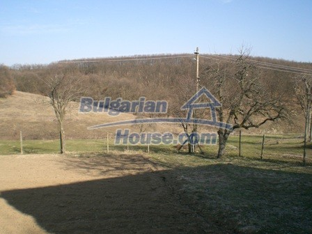 10094:26 - Old traditional Bulgarian house for sale near dam lake