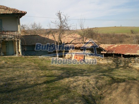 10094:29 - Old traditional Bulgarian house for sale near dam lake