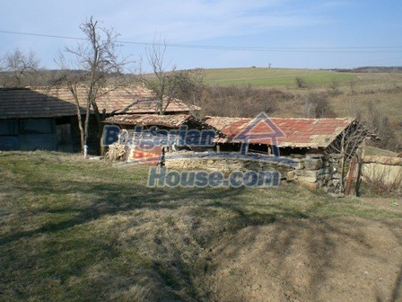 10094:30 - Old traditional Bulgarian house for sale near dam lake