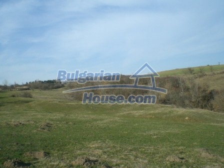 10094:36 - Old traditional Bulgarian house for sale near dam lake