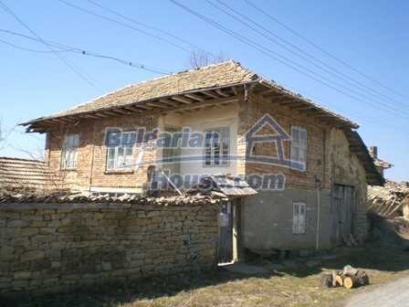 10095:2 - Cheap traditional Bulgarian property for sale