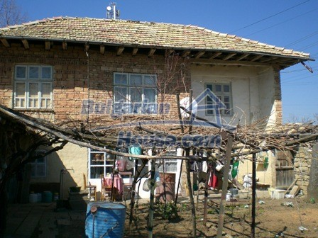 10095:6 - Cheap traditional Bulgarian property for sale
