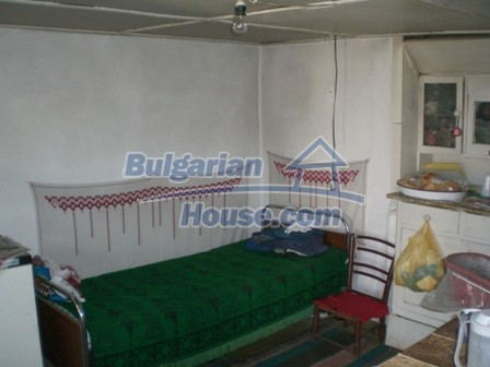 10095:9 - Cheap traditional Bulgarian property for sale