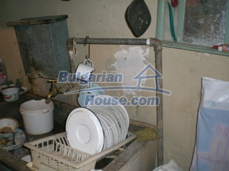 10095:12 - Cheap traditional Bulgarian property for sale