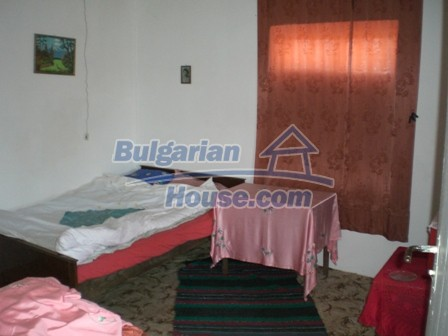 10095:14 - Cheap traditional Bulgarian property for sale