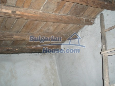 10095:15 - Cheap traditional Bulgarian property for sale