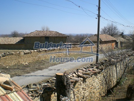 10095:23 - Cheap traditional Bulgarian property for sale