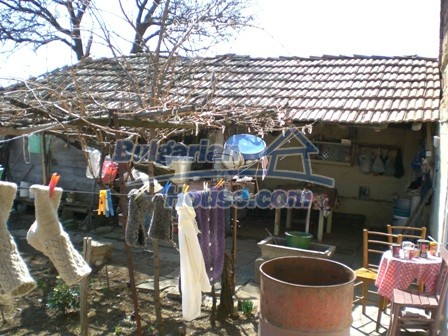 10095:24 - Cheap traditional Bulgarian property for sale