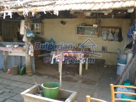 10095:25 - Cheap traditional Bulgarian property for sale