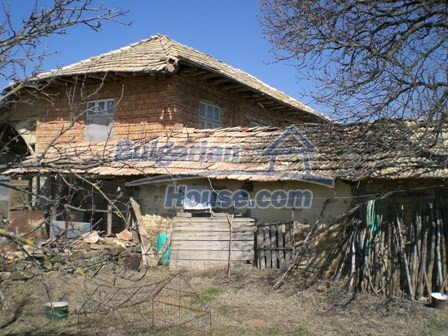 10095:31 - Cheap traditional Bulgarian property for sale