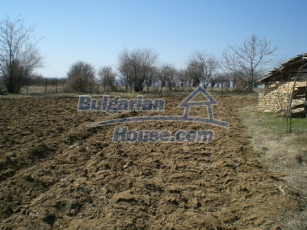 10095:32 - Cheap traditional Bulgarian property for sale
