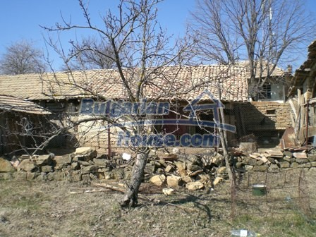 10095:33 - Cheap traditional Bulgarian property for sale
