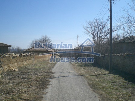 10095:34 - Cheap traditional Bulgarian property for sale