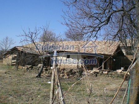 10095:35 - Cheap traditional Bulgarian property for sale