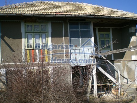 10096:5 - Bulgarian Rural house for sale near Veliko Tarnovo and dam lake