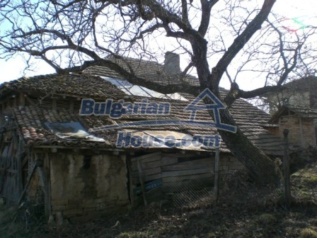 10096:6 - Bulgarian Rural house for sale near Veliko Tarnovo and dam lake