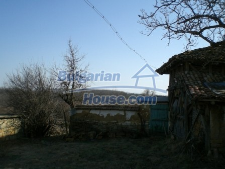 10096:7 - Bulgarian Rural house for sale near Veliko Tarnovo and dam lake