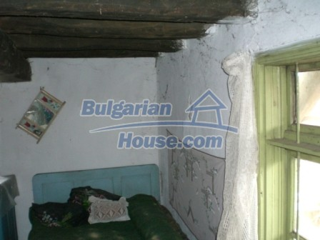 10096:12 - Bulgarian Rural house for sale near Veliko Tarnovo and dam lake