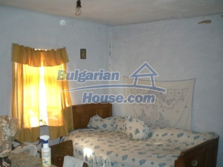 10096:13 - Bulgarian Rural house for sale near Veliko Tarnovo and dam lake