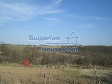 10096:23 - Bulgarian Rural house for sale near Veliko Tarnovo and dam lake