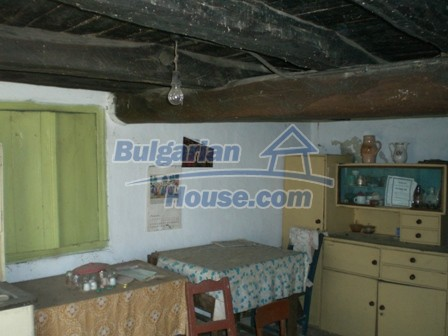 10096:27 - Bulgarian Rural house for sale near Veliko Tarnovo and dam lake
