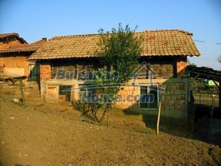 10099:20 - Two storey traditional house for sale in Bulgaria near Vratsa