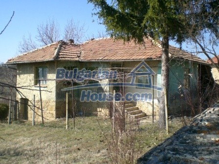 10112:2 - Cheap rural Bulgarian house for sale near dam lake