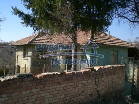 10112:4 - Cheap rural Bulgarian house for sale near dam lake
