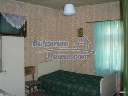 10112:12 - Cheap rural Bulgarian house for sale near dam lake