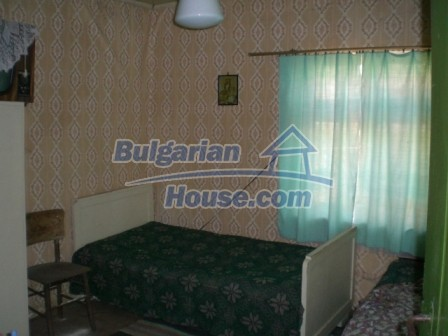 10112:15 - Cheap rural Bulgarian house for sale near dam lake