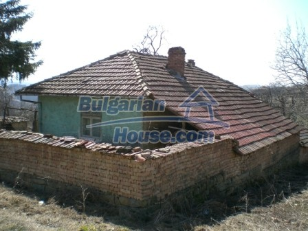 10112:6 - Cheap rural Bulgarian house for sale near dam lake