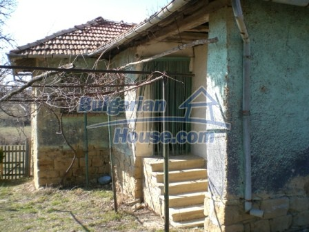 10112:7 - Cheap rural Bulgarian house for sale near dam lake