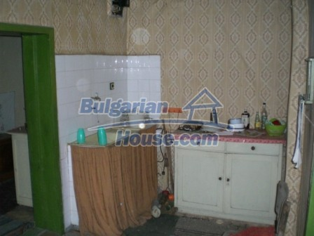 10112:8 - Cheap rural Bulgarian house for sale near dam lake