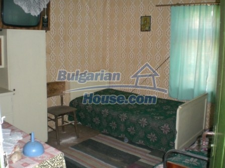 10112:11 - Cheap rural Bulgarian house for sale near dam lake