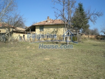 10112:20 - Cheap rural Bulgarian house for sale near dam lake