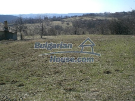 10112:22 - Cheap rural Bulgarian house for sale near dam lake