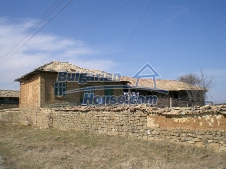 10113:3 - A cheap bulgarian house for sale in picturesque village near Tar