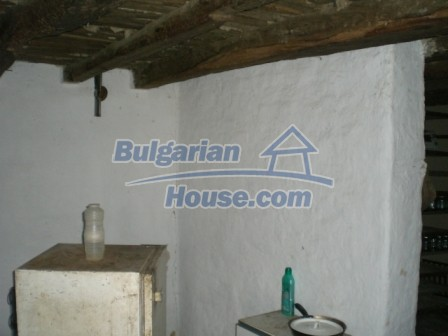10113:11 - A cheap bulgarian house for sale in picturesque village near Tar