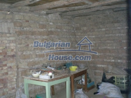 10113:17 - A cheap bulgarian house for sale in picturesque village near Tar