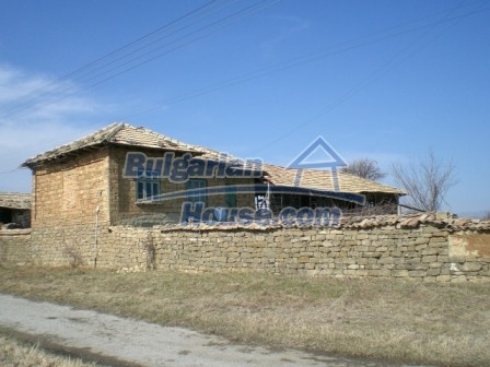 10113:4 - A cheap bulgarian house for sale in picturesque village near Tar
