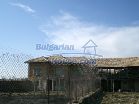 10113:5 - A cheap bulgarian house for sale in picturesque village near Tar