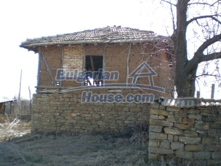 10113:6 - A cheap bulgarian house for sale in picturesque village near Tar
