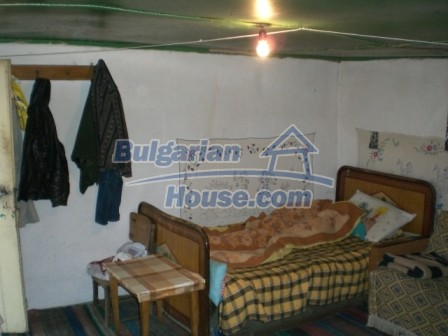 10113:8 - A cheap bulgarian house for sale in picturesque village near Tar