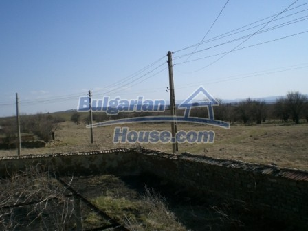 10113:20 - A cheap bulgarian house for sale in picturesque village near Tar
