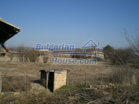 10113:21 - A cheap bulgarian house for sale in picturesque village near Tar
